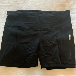 Lululemon black biker short